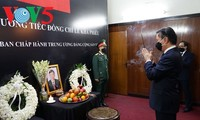 Memorial service for former Party chief Le Kha Phieu held abroad