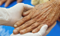 Ho Chi Minh City provides home doctor service to the elderly, people with chronic diseases