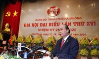 PM urges Hai Phong to capitalize on advantages to become a green service center