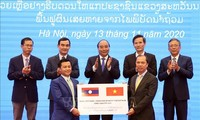 Vietnam donates 1,000 tons of rice to Laos