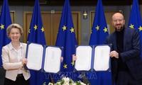 EU leaders sign historic post-Brexit trade deal