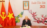 Vietnam's Party chief and President holds phone talks with newly-elected Party chief of Laos