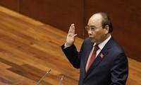 Nguyen Xuan Phuc sworn in as President of Vietnam