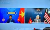 Vietnamese, Malaysian senior officials meet to boost strategic partnership