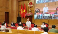 Party General Secretary meets Hanoi voters