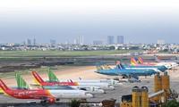 Hanoi reopens flights to Ho Chi Minh City, Da Nang