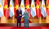越南国会主席阮氏金银会见阿根廷总统马克里