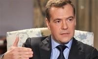 俄罗斯总理视察俄日争议岛屿