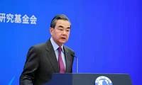 中国外长王毅回顾2019年外交工作并展望明年工作