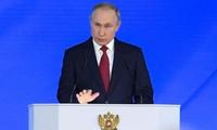 世界的和平与安全取决于美俄关系