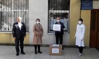 海外越南人制药厂向摩尔多瓦捐赠六百个新冠病毒检测试剂盒