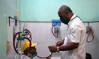 越南企业向古巴新冠肺炎疫情防控一线医务人员捐赠100吨大米