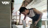 谅山省岱依族、侬族同胞的阴阳瓦生产业