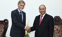 Премьер-министр Нгуен Суан Фук принял министра инфраструктуры и транспорта Италии