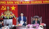 Выонг Динь Хюэ провел рабочую встречу с руководителями провинции Баккан