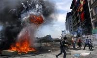 Demonstrations in Turkey: an alarm