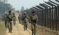 India, Pakistan border guards exchange fire in Kashmir