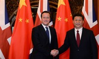 Chinese President Xi meets with David Cameron