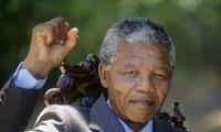 World pays tribute to former President Nelson Mandela