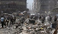 Syrian army carries out air strikes on rebel stronghold