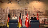 Turkey to join Germany in dealing with messy migrant crisis