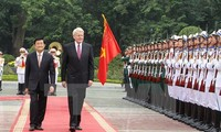 Iceland's President ends visit to Vietnam