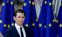 Austria plans migrant reception centers outside EU