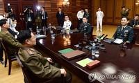 Two Koreas to resume military contact