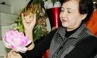 Artisan Mai Hanh – Hanoi's Queen of silk flowers