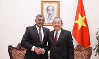 Deputy PM: Gov't supports stronger ties between Vietnam, Singapore courts