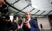UK Prime Minister and Brexit Party leader at odds