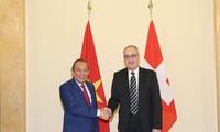 Vietnam, Switzerland strengthen bilateral relations