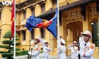 Vietnam hosts ASEAN flag-hoisting ceremony