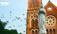 Chiêm ngưỡng tuyệt tác Nhà thờ Đức Bà Sài Gòn