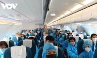 Cận cảnh chuyến bay đầu tiên đưa người dân Đà Nẵng chở về từ vùng dịch TP.HCM