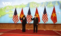 PM Chinh welcomes US Vice President Harris