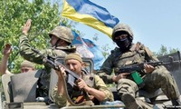 Ukraine passes law allowing foreigners to serve in its armed forces