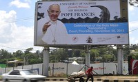 Pope Francis embarks on Africa tour