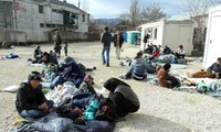 UN refugee chief: Europe has 'completely failed' in migrant crisis