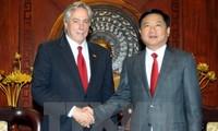 Ho Chi Minh city leader receives Senior Advisor to US Secretary of State