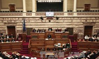 Greece approves pension and income tax reforms