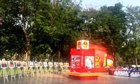 Photo exhibit marks general election in Hanoi