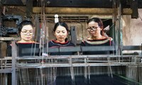H'Yam Bkrong devoted to preserving the traditional brocade weaving of the Ede people