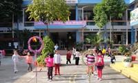 Teacher Phan Thi Hoa Le's teaching aids boost child development