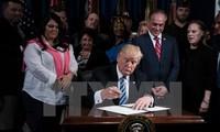 Trump signs spending bill to avert government shutdown