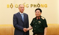 Vietnam, Russia intensify defense ties