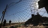 Israel builds massive fence on Gaza border