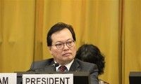 Vietnam calls for efforts to end nuclear arms race