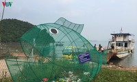 Fish-shaped bamboo dustbins help protect environment in Cai Chien island