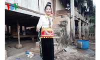 Ethnic minority woman preserves Khang traditional culture